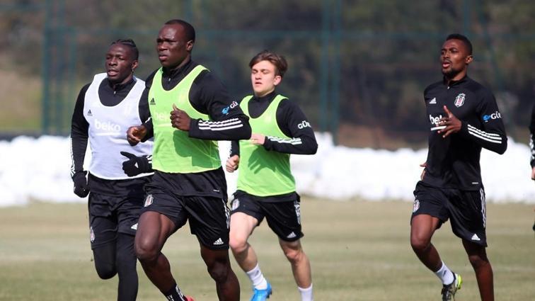 Beşiktaş'ta Ghezzal ve Montero takımdan ayrı çalıştı