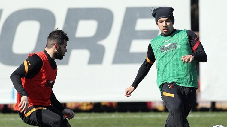 Galatasaray'da Sofiane Feghouli takımla çalışmalara başladı