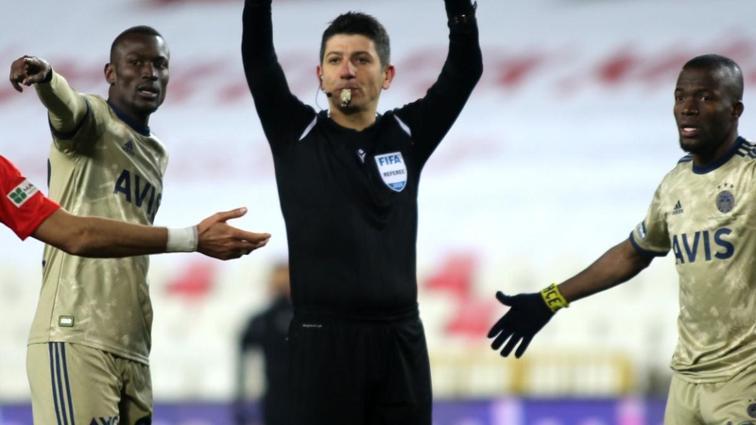 Trabzonspor-Fenerbahçe maçının hakemi Yaşar Kemal Uğurlu oldu