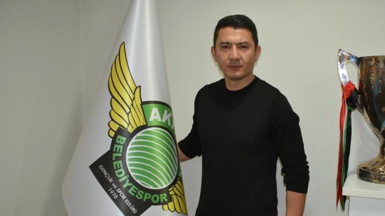 Akhisarspor, teknik direktör Fırat Gül ile 1,5 yıllık sözleşme imzaladı