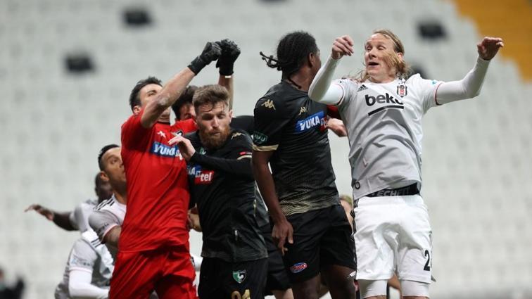 Denizlispor ligde çıktığı 26 maçın 22'sinde kalesini gole kapatamadı