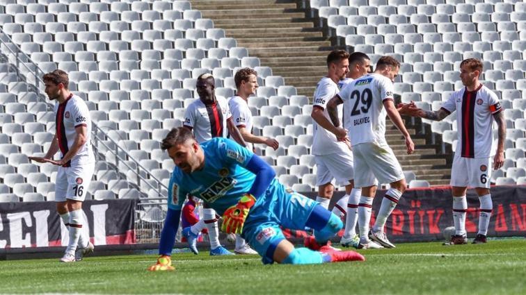 Fatih Karagümrük konuk ettiği Alanyaspor'u 2-0 mağlup etti