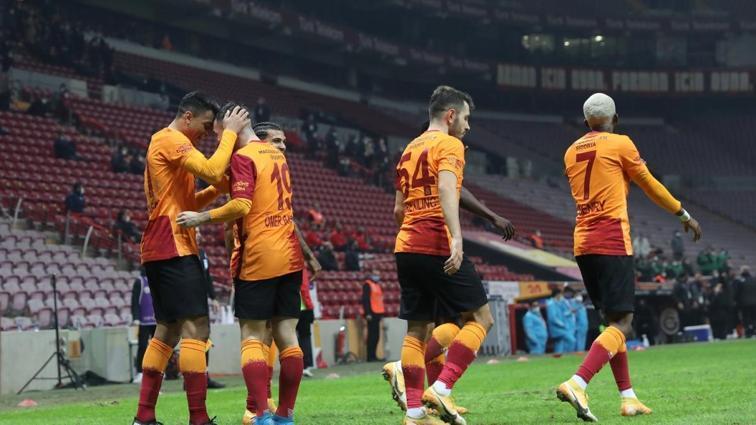 Galatasaray, 8'de 8'le gidiyor