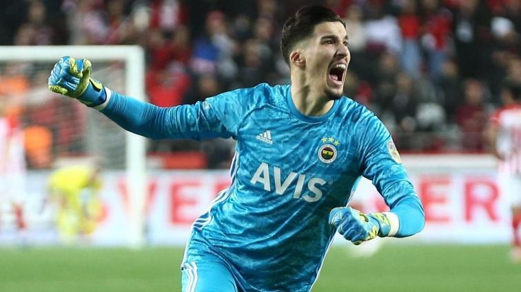 Fenerbahçe'nin derbi kozları Altay ve Mesut