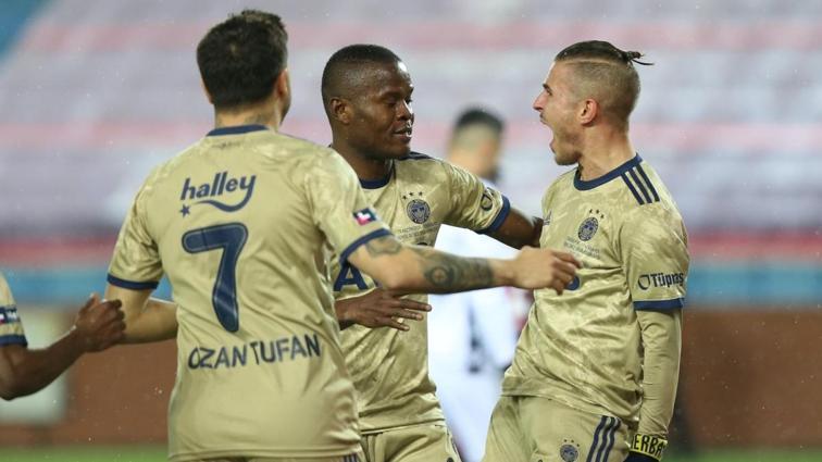 Pelkas'tan Fenerbahçe'ye hayat öpücüğü! 0-1