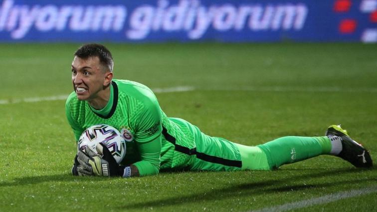 Galatasaray'da Fernando Muslera ile 3 yıl daha