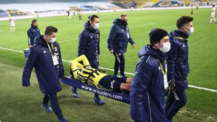 Fenerbahçe'de Mesut Özil'in ayrılığı 1 ayı geçecek