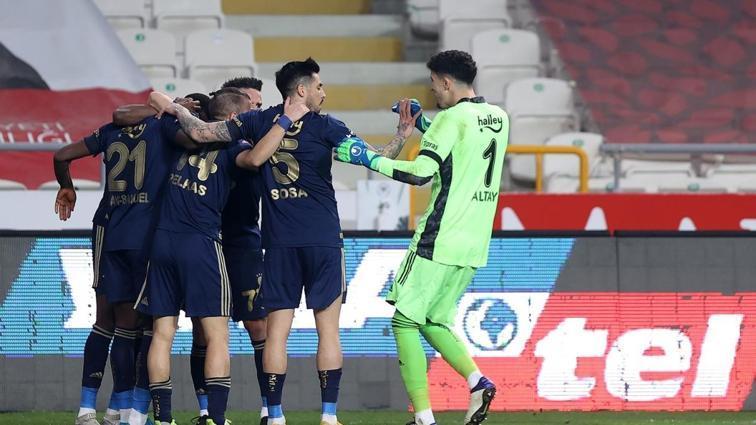 Deplasman Fenerbahçe'den sorulur! 0-3