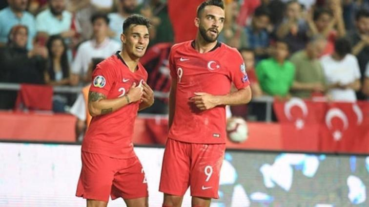 Galatasaray'da stopere Kaan, sol beke Tsimikas geliyor