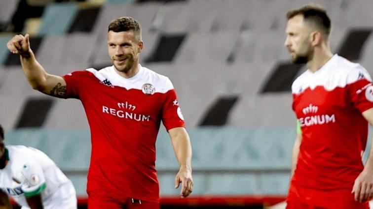 Lukas Podolski'den seri galibiyet sevinci: Şimdi biraz izin yapıp dinleneceğiz