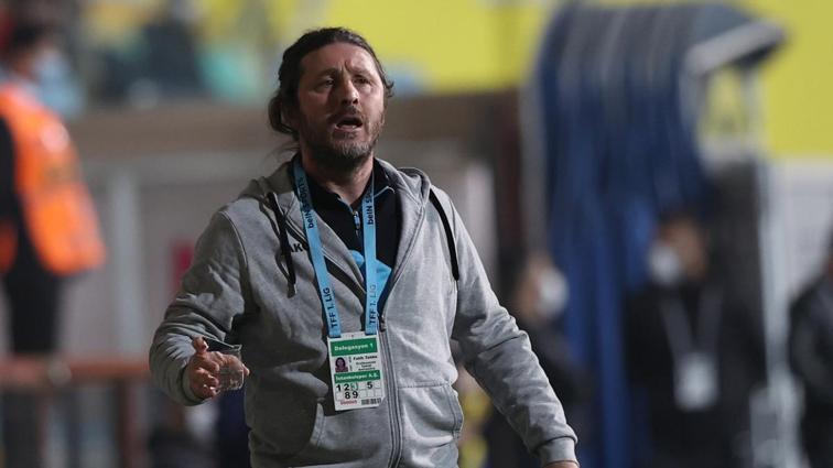 İstanbulspor'da teknik direktör Fatih Tekke'nin sözleşmesi karşılıklı feshedildi