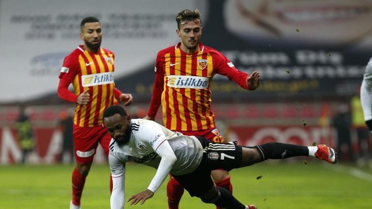 Kayserispor'da Gustavo Campanharo sakatlığı sebebiyle sezonu kapattı