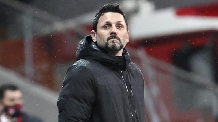 Fenerbahçe'de Erol Bulut gitti, yeni hoca Emre Belözoğlu