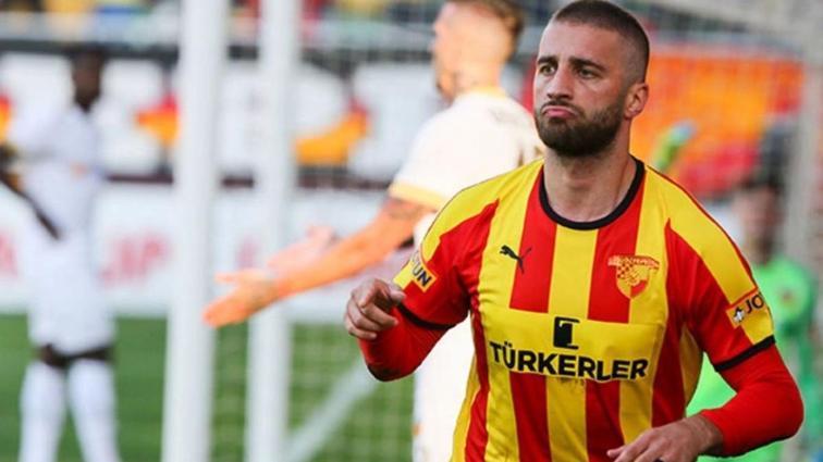 Fenerbahçe Alpaslan Öztürk'ü kadrosuna katıyor