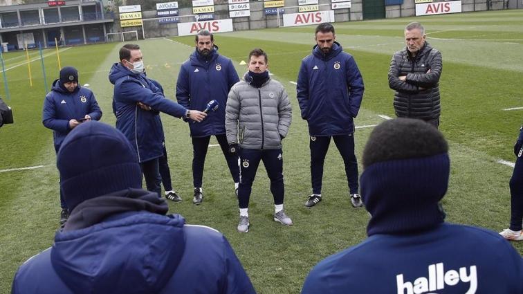 Fenerbahçe, Emre Belözoğlu yönetiminde ilk idmanına çıktı