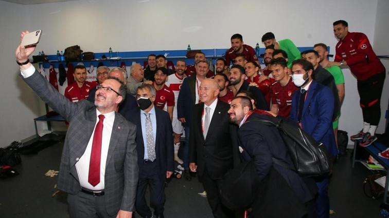 Gençlik ve Spor Bakanı Kasapoğlu: Onlara inanıyoruz, onlara güveniyoruz