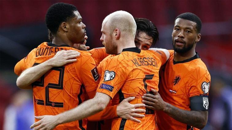 Hollanda, yara sardı: 2-0