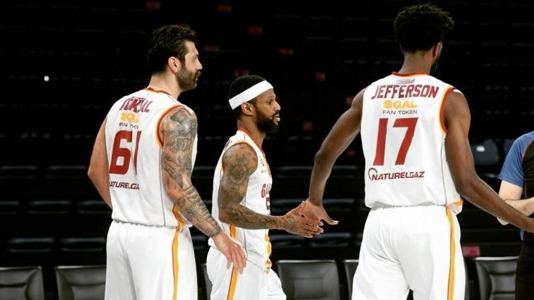 Çanlar Galatasaray Erkek Basketbol Takımı için çalıyor