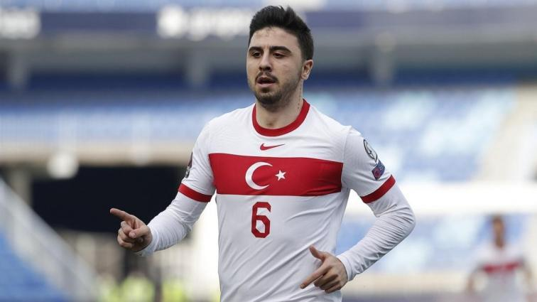 Son dakika transfer haberi: Crystal Palace'dan Ozan Tufan için Fenerbahçe'ye yeni teklif