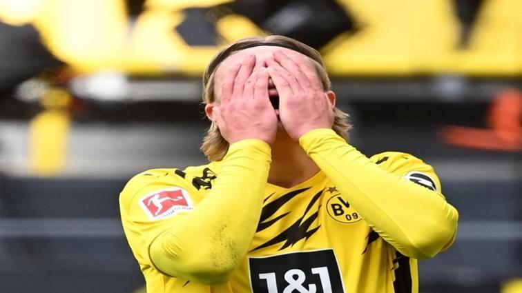 Borussia Dortmund'a Eintracht Frankfurt darbesi