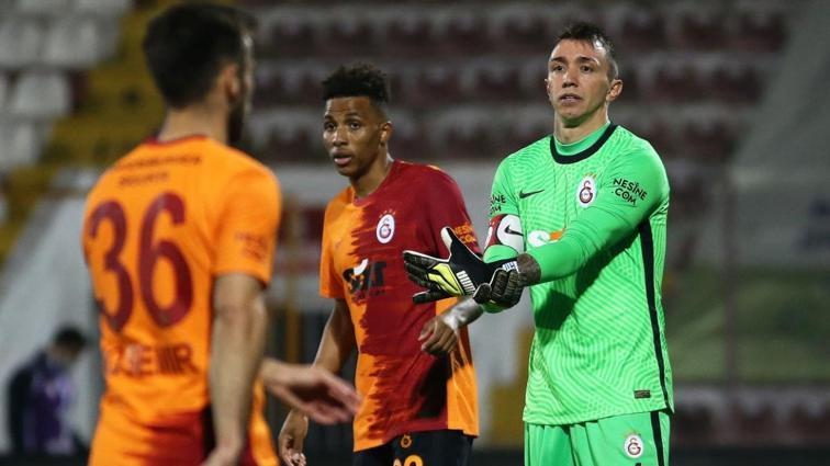 Galatasaray son 5 maçın 4'ünde kalesini gole kapatamadı