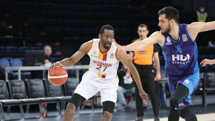 Galatasaray'dan Afyon Belediyespor'a 40 sayı fark