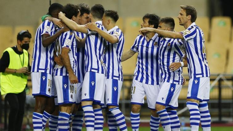 Olaylı finalde kazanan Real Sociedad