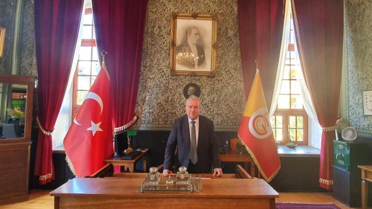Galatasaray Kulübü, Fenerbahçeli Galatasaray Lisesi Müdürü Vahdettin Engin'i istifaya davet etti