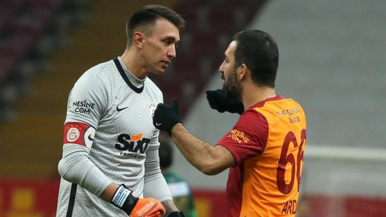 Galatasaray'da kaptanlar Arda ve Muslera devreye girdi