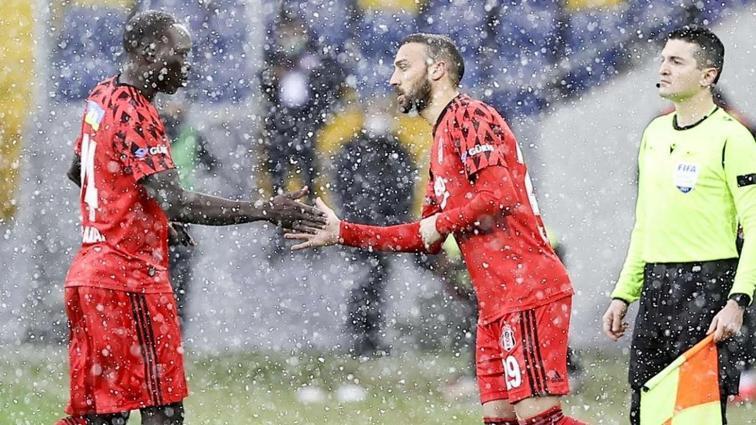 Beşiktaş'ta büyük sevinç! Milli yıldız maça yetişiyor...