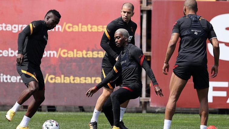 Galatasaray'da Onyekuru ve Linnes sevinci yaşanıyor
