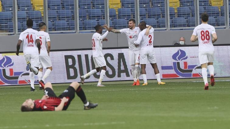 Sivasspor deplasmanda Gençlerbirliği'ni 3-2 mağlup etti