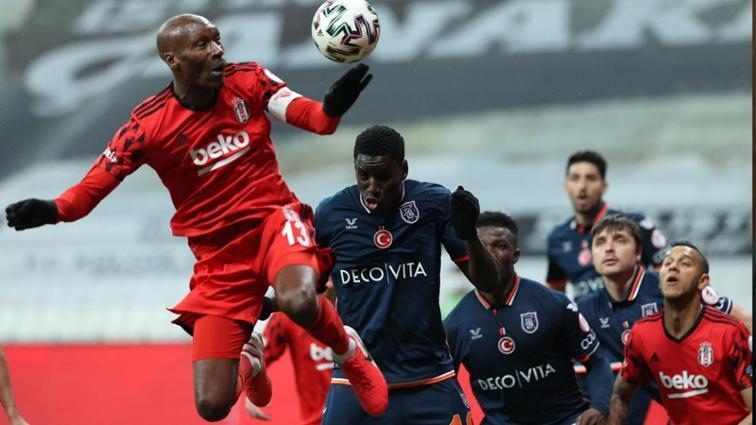 Süper Lig'de flaş ayrılık: Medipol Başakşehir'in yıldız golcüsü Demba Ba'nın sözleşmesi feshedildi