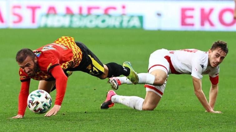 Antalyaspor-Göztepe maçı 1 Mayıs'tan 2 Mayıs'a alındı