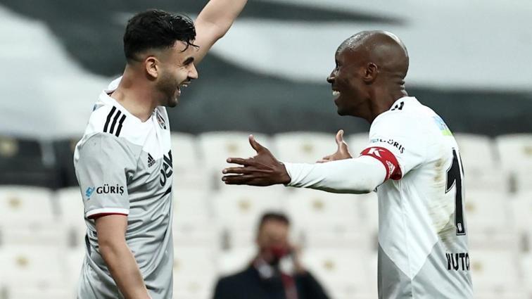 Beşiktaş'ta Atiba Hutchinson sakatlığı sebebiyle kadrodan çıkarıldı