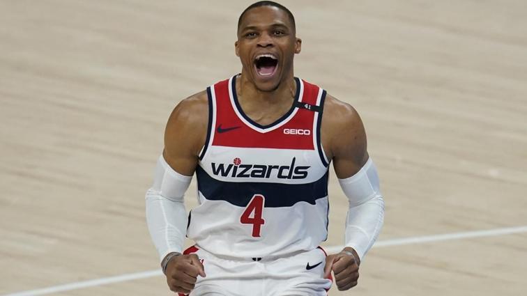Westbrook bu yıl 28. kez triple-double yaptı, Wizards seriyi 7 maça çıkardı