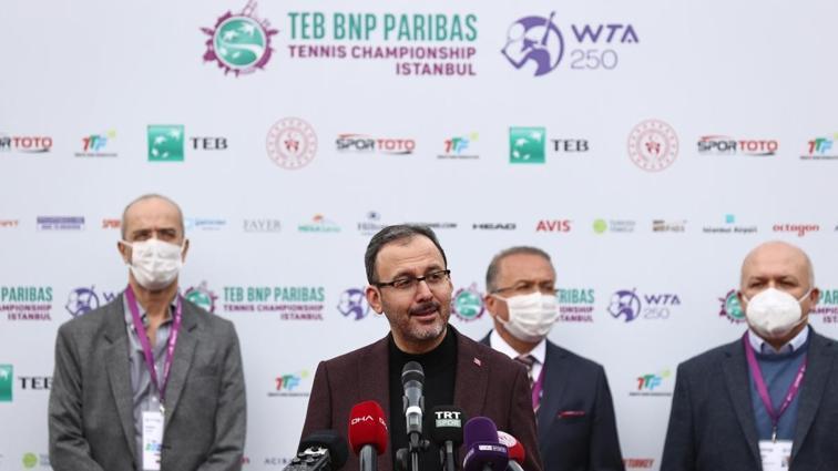 Bakan Kasapoğlu'ndan TEB BNP Paribas Tenis turnuvası sözleri: Alnımızın akıyla gerçekleştirdik gururluyuz