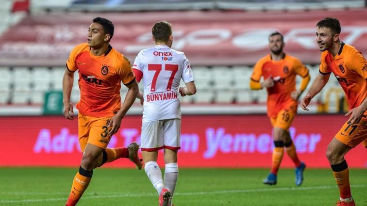 Galatasaray'da çift forvete dönüş kararı verildi