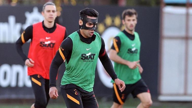 Maskeli Süvari Falcao: Galatasaray'da tüm gözler Konyaspor'da