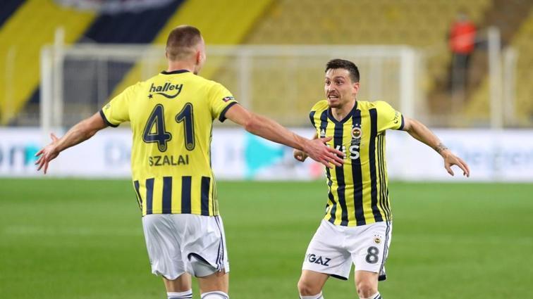 Mert Hakan Yandaş, Kasımpaşa maçında ilki yaşadı