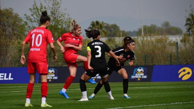 Turkcell Kadın Futbol Ligi Sağlık Çalışanları Sezonu'nda çeyrek finalistler belli oldu