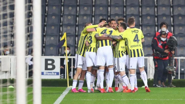 Fenerbahçe 5 eksikle Alanyaspor'a konuk oluyor