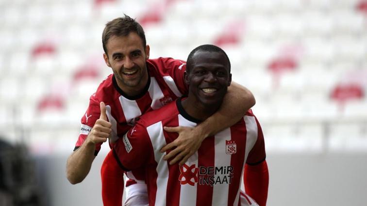 Sivasspor sahasında Yeni Malatyaspor'u 1-0 mağlup etti