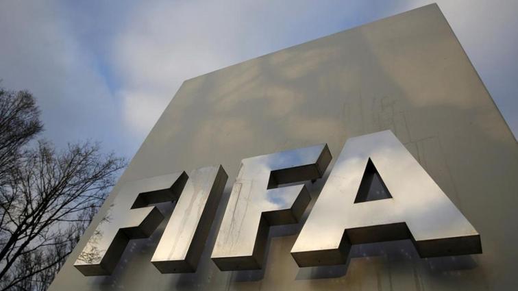 FIFA, Paris FC ve Angers'a transfer yasağı ile para cezası verdi