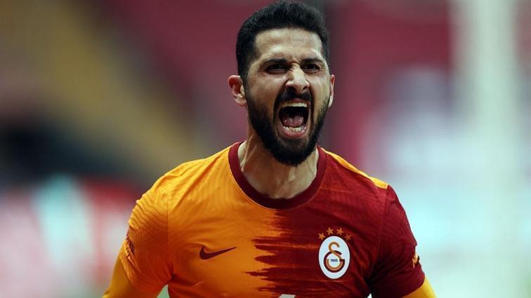 Galatasaray'da Emre Akbaba için harekete geçildi