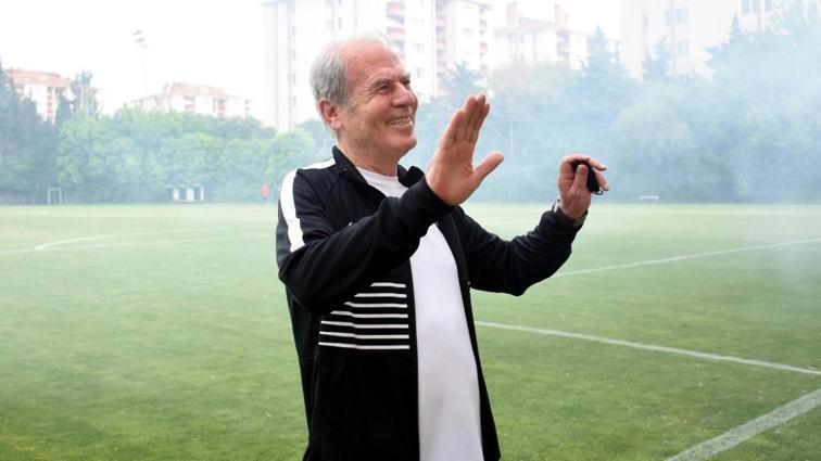 Mustafa Denizli, Altay'la ilk maçına çıkıyor