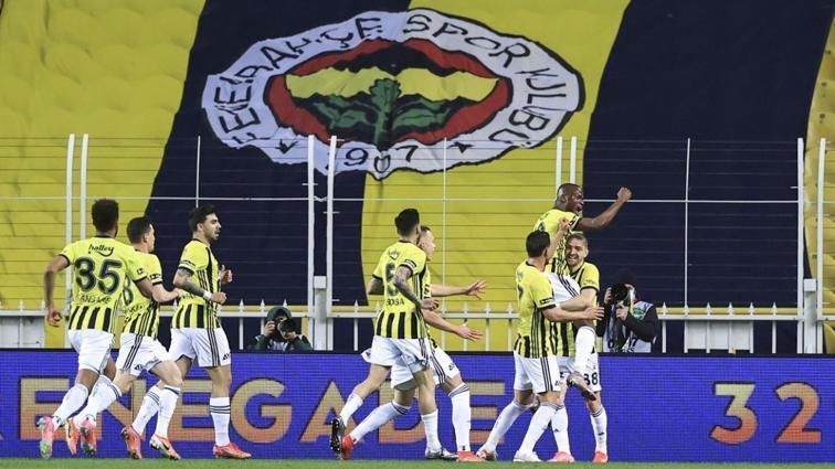 Fenerbahçe oynayacağı maçlarla ateş hattını belirleyecek