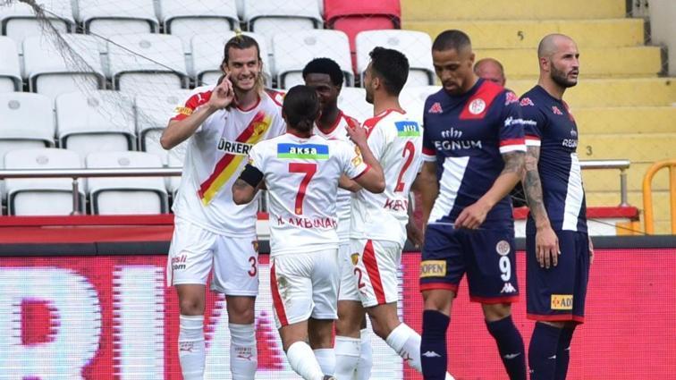 Göztepe, Antalyaspor'u deplasmanda mağlup etti: 2-3
