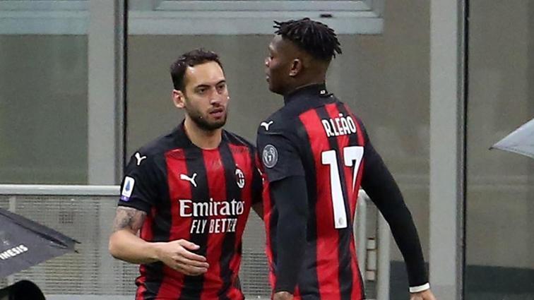 Milan kazandı, bir gol Hakan Çalhanoğlu'ndan geldi: 2-0