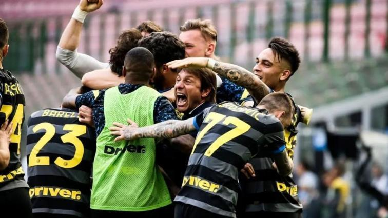 Antonio Conte İtalya ligine yön vermeye devam ediyor